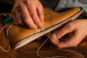 Travail de notre maître artisan cordonnier paris